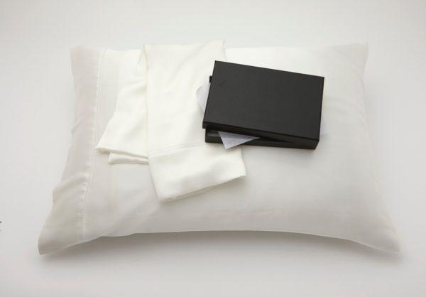 silk_pillow